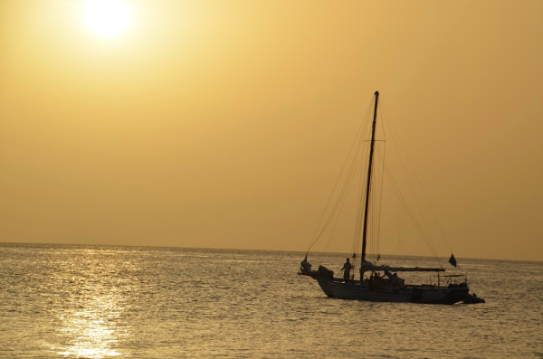 Beginners Guide to Saint Lucia - Lia Pack - Travelettes - sunset sailing