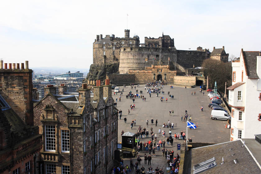 edinburgh must do scotland cool things kathi kamleitner travelettes-4