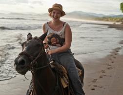 Travelette of the Month: Kathi Kamleitner