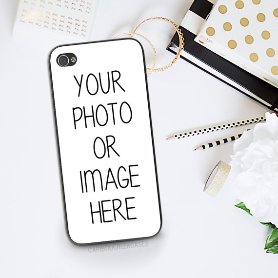 10 awesome ways to turn your photos into christmas gifts - phone case