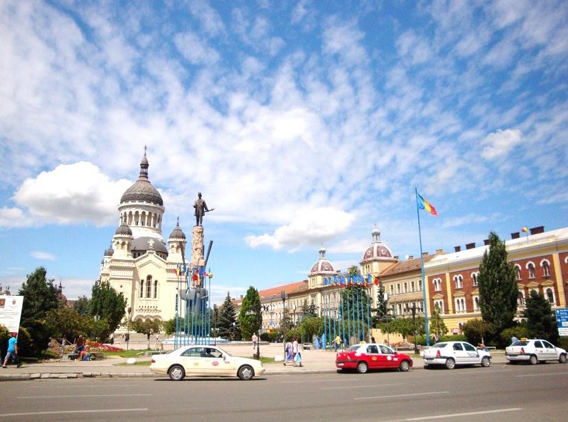 Romania_Cluj_Napoca_City_centre_eroilor
