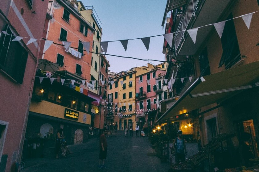 Guide to Cinque Terre (1)