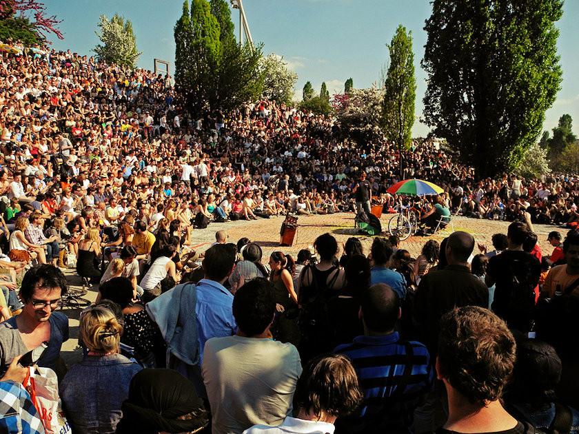 Mauerpark-karaoke-amphitheater-2011