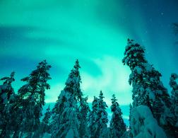 Frozen in Finland - A Travelette Plays Elsa