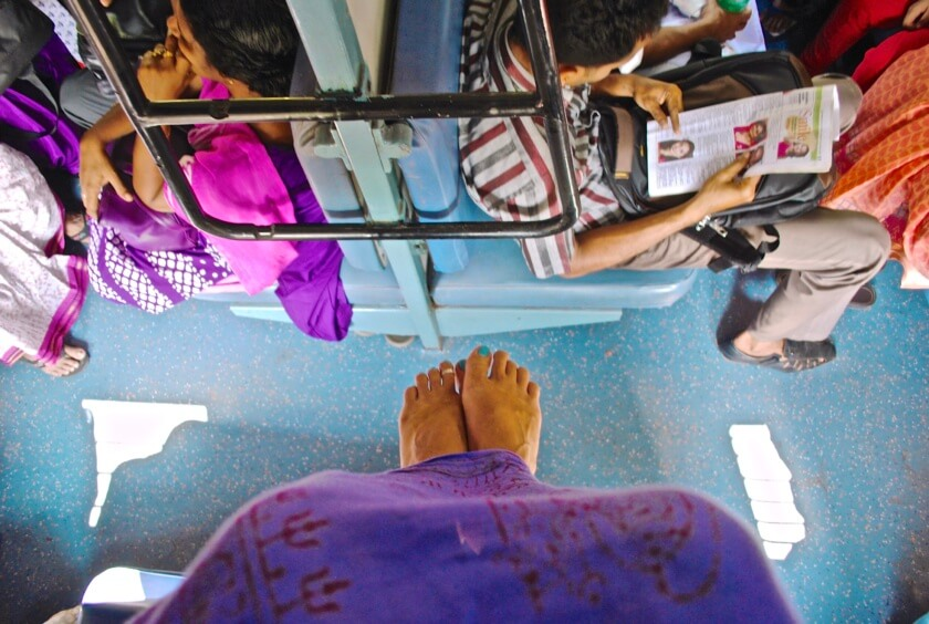 DSC_0010Would you travel barefoot through South East Asia? Our guest writer Alyssa did and tells her story of lost flip flops and new found rooting.