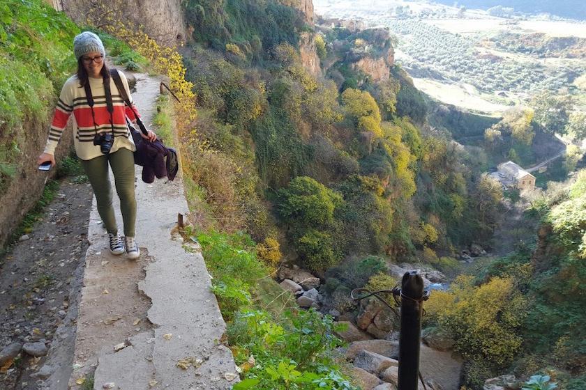 hiking-gorge-in-ronda-spain