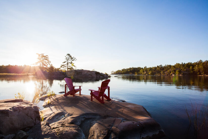 A wooden cabin in the woods, canoeing on a crystal clear lake and backcountry camping to spot moose - Killarney delivers a picture book experience of Canada!