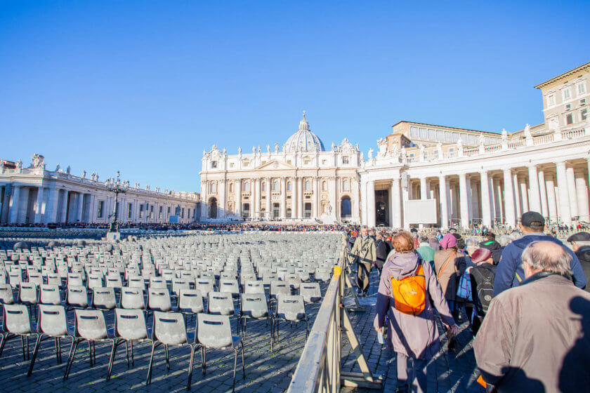 Rome might be a touristy city, but with these 20 travel tips your Rome adventure will be a huge success!