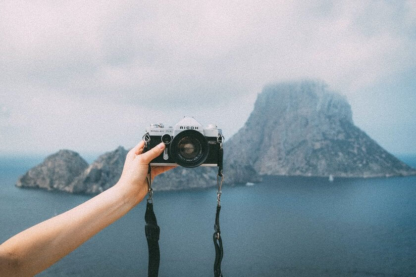 When did people stop to travel for the journey itself and started traveling to chase the same pictures?