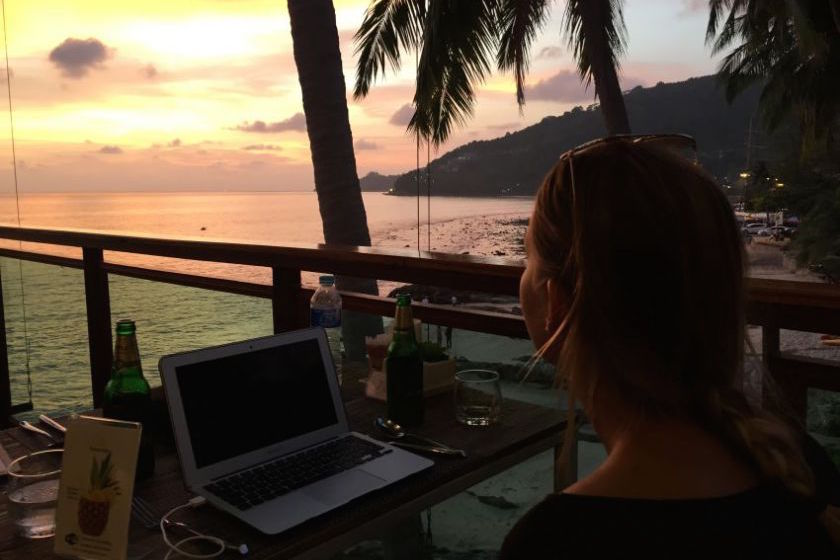 Do you dream of becoming location-independent and work & travel your way around the world? This is what it's like to becoming a digital nomad.