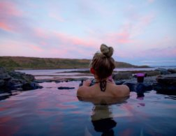 5 female travel bloggers who make you want to go to Iceland