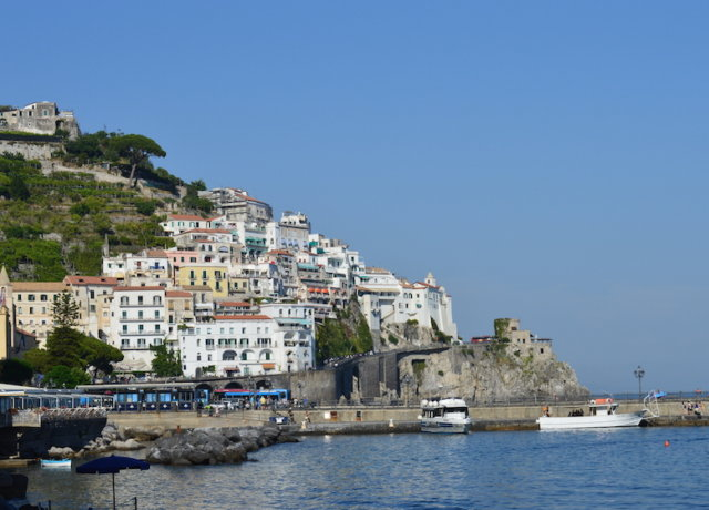 A Budget Guide to the Amalfi Coast - Mediterranean Glam on a Shoestring