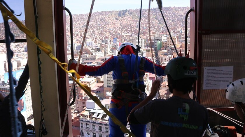 Ever wondered what it's like to jump off a building in a superhero costume? Urban Rush lets you experience exactly that with the most thrilling activity in La Paz, Bolivia.