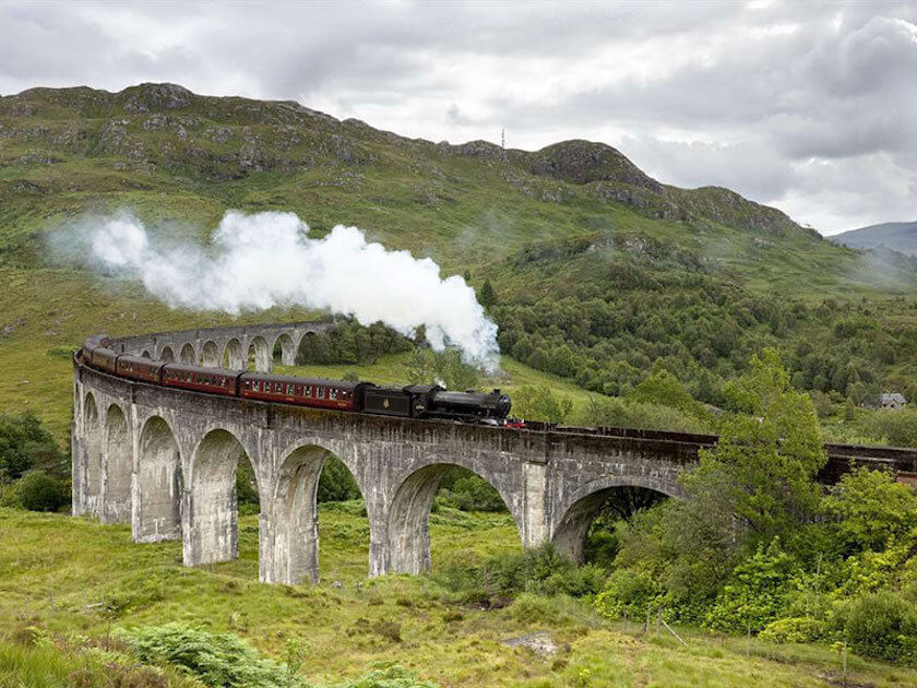 Want a magical journey to Scotland following the footsteps of Harry Potter? Make sure to add these Harry Potter themed highlights to your Scotland itinerary!
