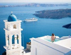 How Best to Explore the Greek Islands Santorini, Naxos & Amargos