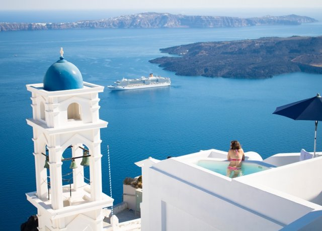 How Best to Explore the Greek Islands Santorini, Naxos & Amargos