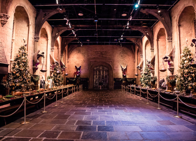 Christmas at Hogwarts: The Complete Guide to the Harry Potter Studio Tour London
