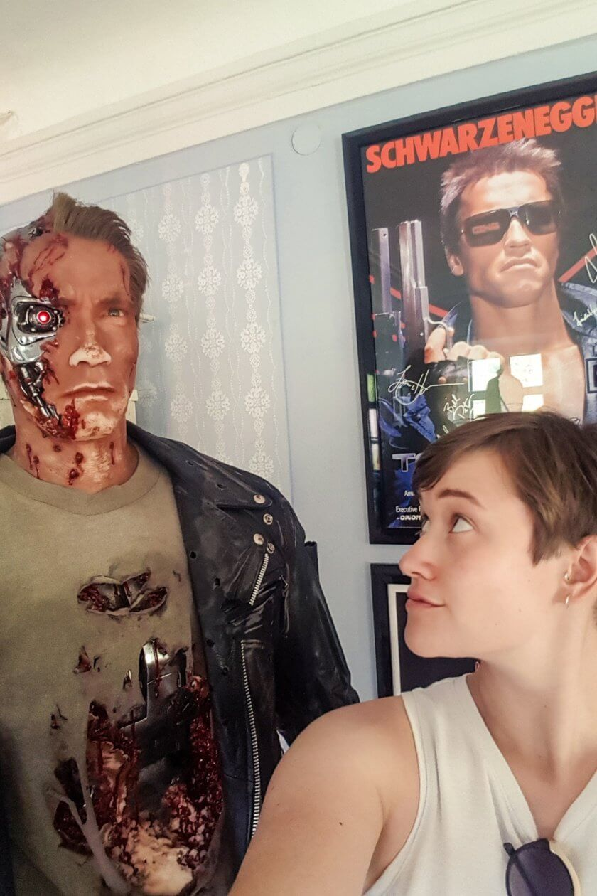 A selfie with the live-size Terminator replica of Arnold Schwarzenegger
