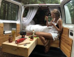 The Modern Nomads: Interview with 3 Kick-Ass Van Life Ladies