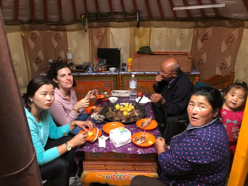 stay with nomads mongolia