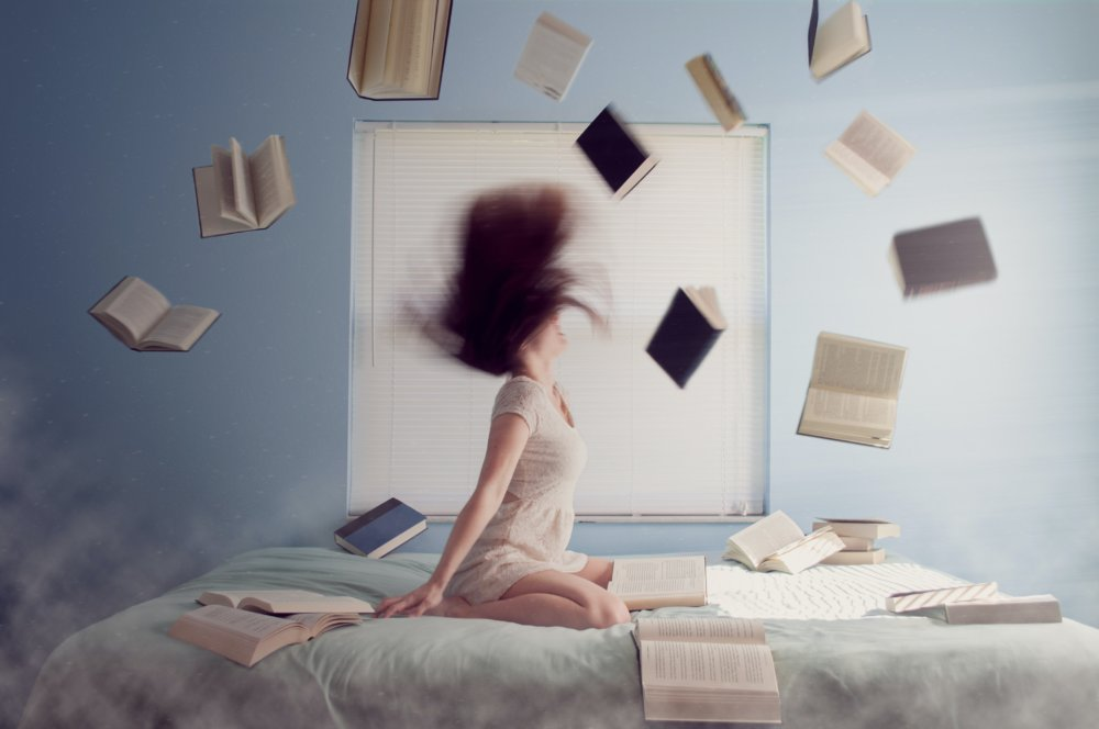 Kindle or Books? A book lover's battle